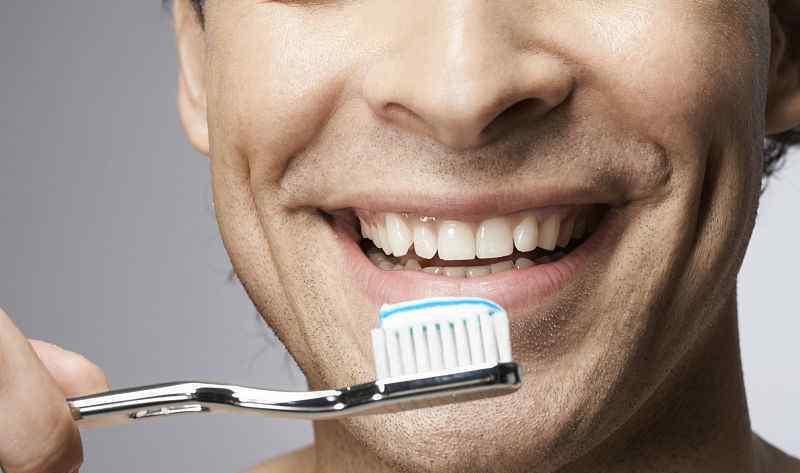牙齿松动的原因 牙齿突然松动是什么原因 这4个答案 你占了几个